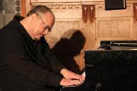 Bild: Klavier-Improvisationen über Adventslieder zwischen Jazz und Klassik - Adventskonzert