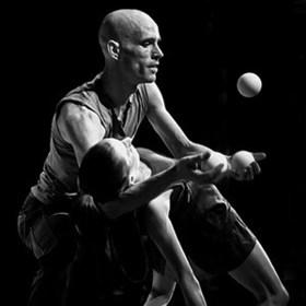 Bild: Neuer Zirkus: Stefan Sing & Christiana Casadio – Tangram