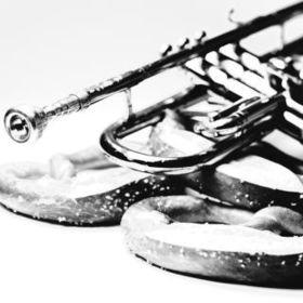 Bild: Butterbrezel-Jazz im Schlosshof: Hallodrian Jazzband