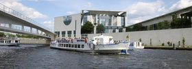 Bild: City Circle Tour Berlin YELLOW + Schifffahrt / boat trip - Hop on/Hop off-Stadtrundfahrt mit Schifffahrt