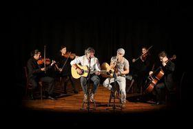 Bild: A Tribute to Simon and Garfunkel meets Classic - Duo Graceland mit Streichquartett und Band