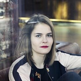 Bild: Hazel Brugger | Hazel Brugger passiert - Open Air