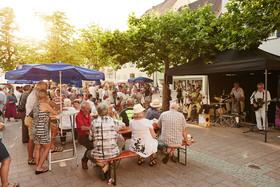 Bild: Genussführung - Mit Geist, Leib und Seele - Kulinarische Stadtführung zum Abendmarkt