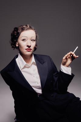Bild: Martini meets Marlene - ... von Kopf bis Fuß auf Theater eingestellt