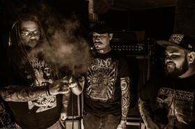Bild: Primitive Man + Ortega - ... a Dicktator Soundz show