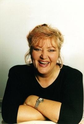 Bild: Marga Bach - mit der Premiere ihres neuen Soloprogramms