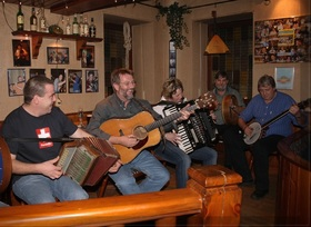 Bild: Blackwater Band - Folk-Konzert