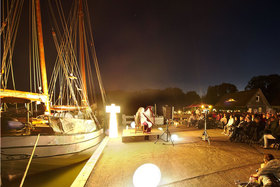 Bild: Märchen & Musik im Hafen - Ein traumhafter Sommerabend