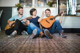 Bild: Lucky Strings - Akustikband - Tatjana Roser, Benjamin Griesch und Niklas Hanke
