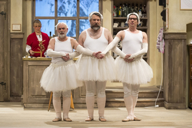 Bild: Der Komödienstadel: Göttinnen weißblau - Lustspiel von Cornelia Willinger