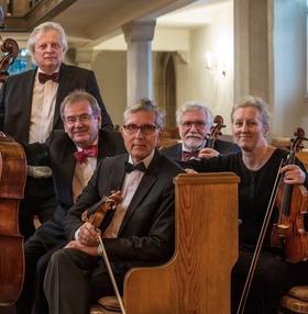 Bild: Dresdner Kapellsolisten   Cappella Musica on Tour - Mit Mozart und Strauß zur kleinen Nachtmusik