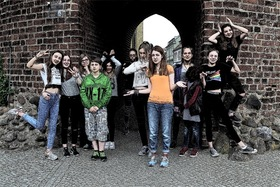 Bild: Alice im Wunderland - Aufführung der Theater AG