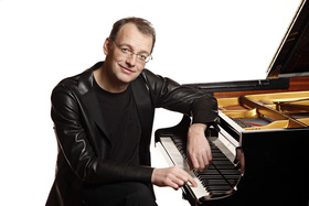 Bild: Klavierabend - mit dem Pianisten Ulrich Roman Murtfeld