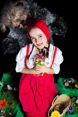 Bild: Rotkäppchen - Bezauberndes Märchentheater für die ganze Familie!