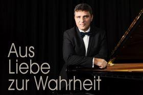 Bild: Benefiz-Klavierkonzert mit Pavlos Hatzopoulos - Aus Liebe zur Wahrheit...