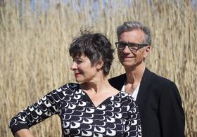Bild: Faltsch Wagoni - Auf in den Kampf, Amore! Politik und Liebe