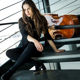 Bild: Laura Moinian (Cello) und Sebastian Berakdar (Piano)
