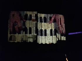 Bild: Die Cadolzburg leuchtet! - Lichtkunstnacht mit Ingo Bracke und Musik von Matthias Lange