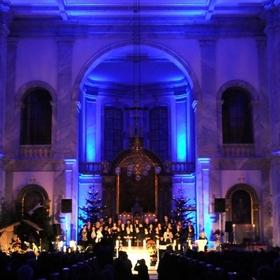 """Bild: Weihnachts- und Jahresabschluss-Konzert mit GOLDEN HARPS Gospel Choir - Jubiläums-Tour """"20 Jahre – 20 Konzerte"""""""