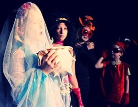 Bild: Kinder spielen Theater für Kinder: Die kleine Seejungfrau