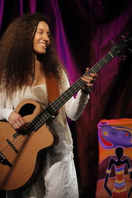Magda Piskorczyk - Excellenter Afro-Groove!