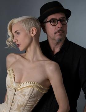 Bild: Lisa Eckart & Sven Kemmler - Die Nymphe und der finstere Förster