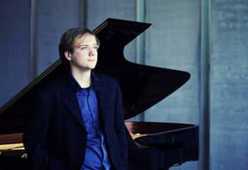 Bild: W. A. Mozart; L. v. Beethoven, F. Kreisler - Galina Lanskaia Violine, Zamir Kabo Klavier