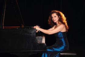 Bild: W. A. Mozart; L. v. Beethoven; F. Chopin - Piano Recital, Heghine Rapyan Klavier