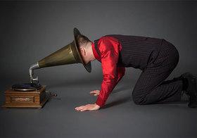 """""""Ich verstehe nichts von Kriegen! Lassen Sie mich fort!"""" - Der Beginn des I. Weltkrieges in Siegfried Kracauers Roman """"Ginster"""" (1928). Grammophon-Lesung mit Jo van Nelsen."""