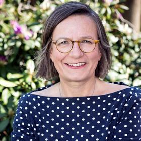 Bild: Lesevergnügen mit - Annemarie Stoltenberg
