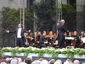 Große Musical-Gala - mit internationalen Gesangssolisten, Orchester und Band