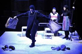 Bild: Astons Steine (3+ / 35 min.) - Teater Pero (SE)