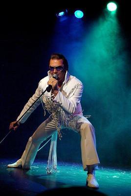 Bild: Elvis Christmas Special - Eric Prinzinger & Band