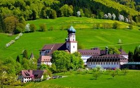 Bild: Wanderkonzert - 2 Konzerte mit Wanderung und Transfer - 10.30 Uhr Pfarrkiche St. Peter und Paul,  St. Ulrich