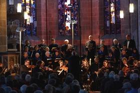 Bild: Nordhessische Kantorei - Orgel: KMD Friedrich Fröschle Leitung: BZK Christopher Weik