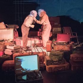 Bild: Wenn wir tanzen, summt die Welt - monsun.theater
