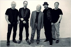 Bild: Larry Garner - Bluesman meets Norman Beaker Band