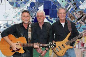 """Bild: Guitarman - Bass & Drums präsentieren:  """"65-er Rock & Roll der Raupenbahn"""""""