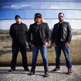 Bild: AVON (USA) - Heavy Desert Rock & Stoner mit ex-Kyuss/QUOTSA Musiker