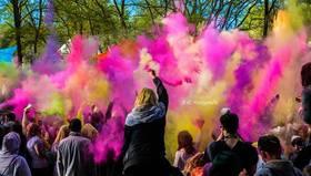 Bild: Holi-Hammer Fest der Farbe - Fest der Farben 2018
