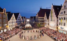 Bild: Tanz durch die Jahrhunderte - Schützenfest 2018