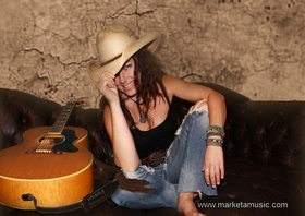 Bild: Marketa Acoustic live im Stadttheater - New Country - Rock - Pop - Blues