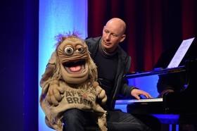 """BENJAMIN TOMKINS - Der Puppenflüsterer """"Puppen Comedy Live"""""""