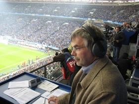 Bild: Manni Breuckmann: Nach der Saison, vor der WM. Die Fußballreporter-Legende erzählt.
