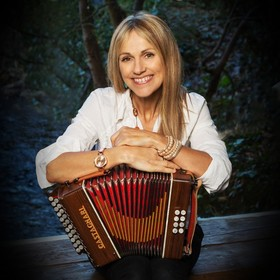 Sharon Shannon + Band - Sacred Earth Tour 2018""
