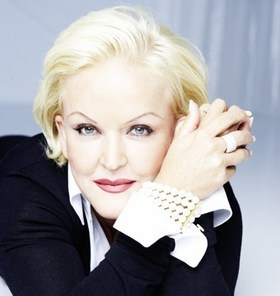 Bild: Angelika Milster singt Musical - Die Grande Dame des Musicals präsentiert die schönsten Musical-Highlights