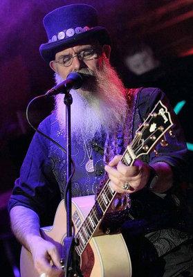 Bild: Gil Edwards - The Rocker on the Road - Live-in-Lu