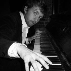 Die Dirnentragödie - Stummfilm mit Live-Musik / am Klavier: Richard Siedhoff