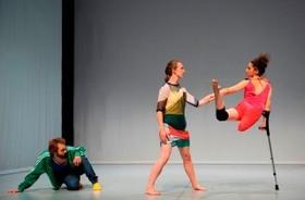 """Bild: Candoco Dance Company / Yasmeen Godder & Hetain Patel - """"Face In"""" & """"Let's Talk About Dis"""" Dt. Erstaufführung"""