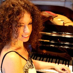 Bild: Anna Tyshayeva - Klavierkonzert - Anna Tyshayeva spielt Franz Liszt und Sergej Rachmaninow